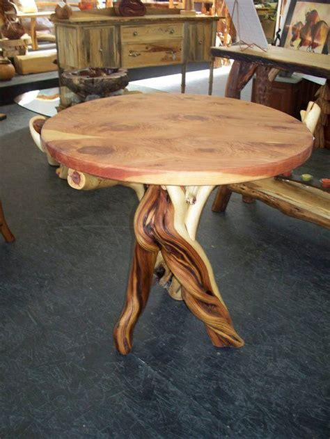 Diy-Western-Dining-Table-With-Curved-Legs