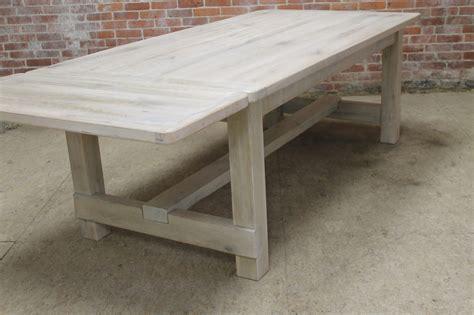 Diy-Whitewash-Farmhouse-Table