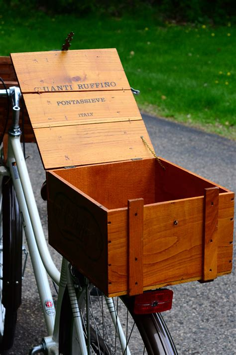 Diy-Wine-Crate-Bike-Rack