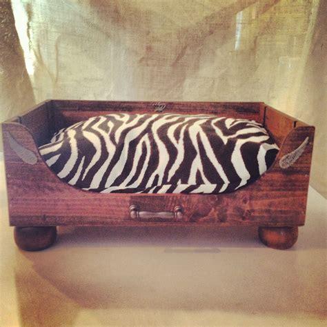 Diy-Wine-Crate-Dog-Bed