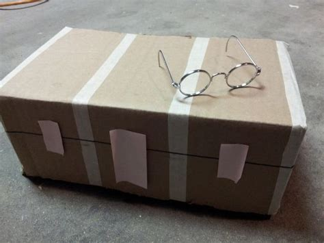 Diy-Wizard-Trunk-Cardboard-Box