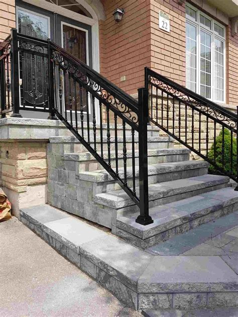 Diy-Wood-And-Aluminum-Exterior-Railings-For-Stairs