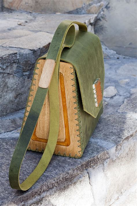 Diy-Wood-And-Leather-Bag