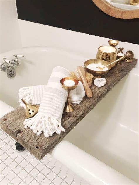 Diy-Wood-Bathtub-Caddy