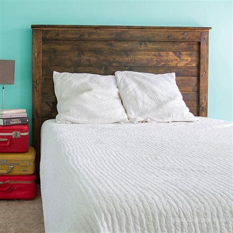 Diy-Wood-Bed-From-Pine-Boards