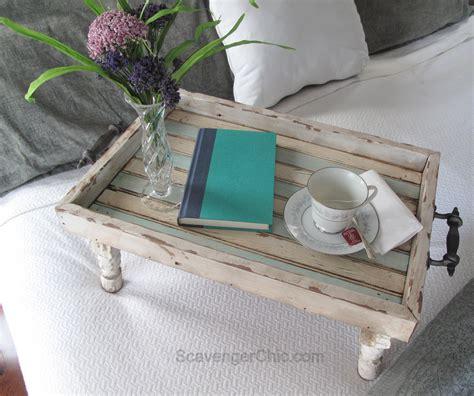 Diy-Wood-Bed-Tray