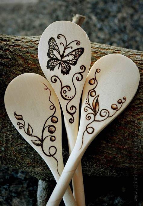 Diy-Wood-Burning-Wooden-Spoons