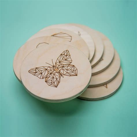 Diy-Wood-Coasters-With-Etched-Design