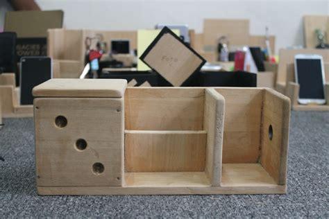 Diy-Wood-Desk-Caddy