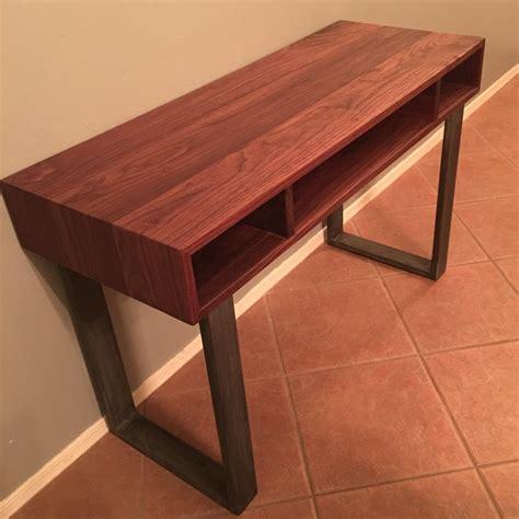 Diy-Wood-Desk-With-Metal-Legs