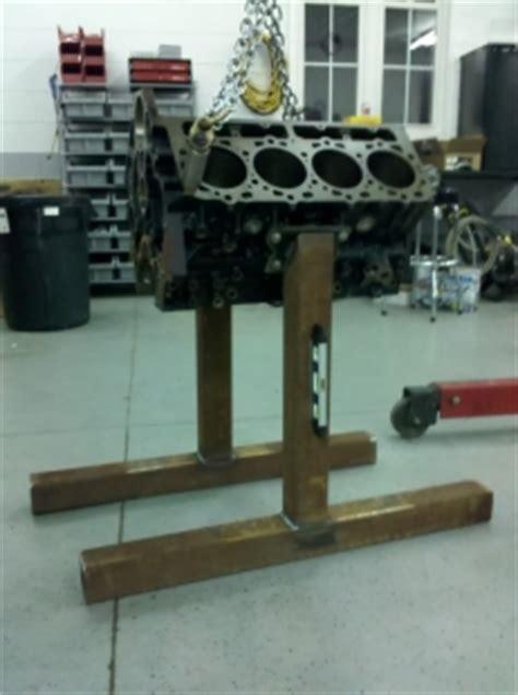 Diy-Wood-Engine-Stand