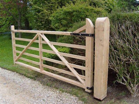 Diy-Wood-Farm-Gates