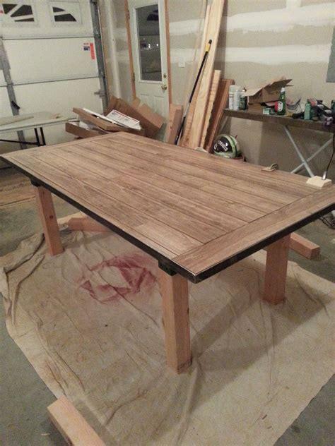 Diy-Wood-Floor-Table