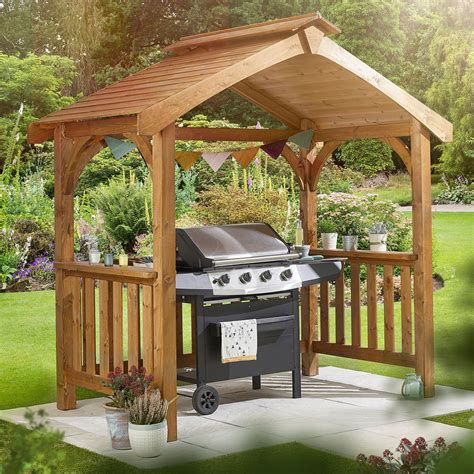 Diy-Wood-Grill-Gazebo