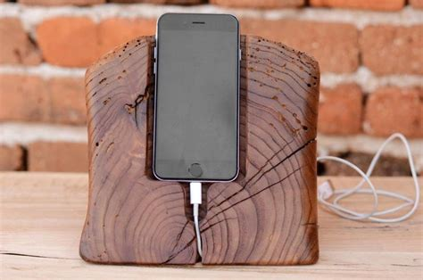 Diy-Wood-Iphone-6-Stand