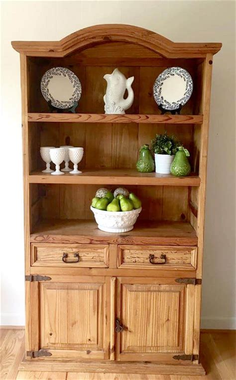 Diy-Wood-Kitchen-Hutch