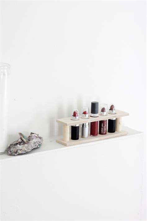 Diy-Wood-Lipstick-Holder