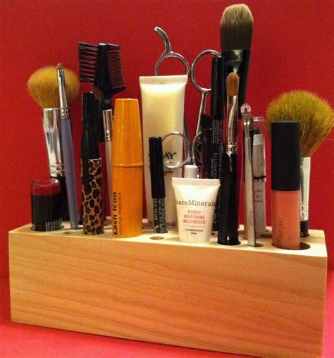 Diy-Wood-Makeup-Brush-Holder
