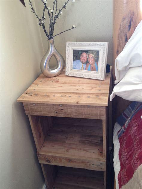 Diy-Wood-Night-Table