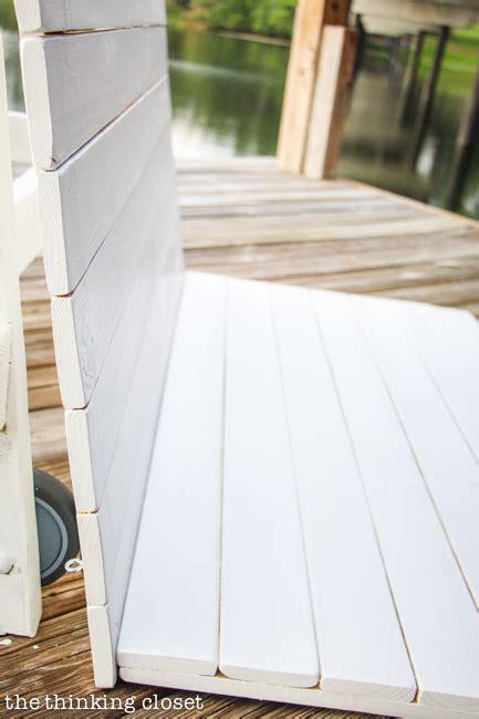 Diy-Wood-Plank-Backdrop