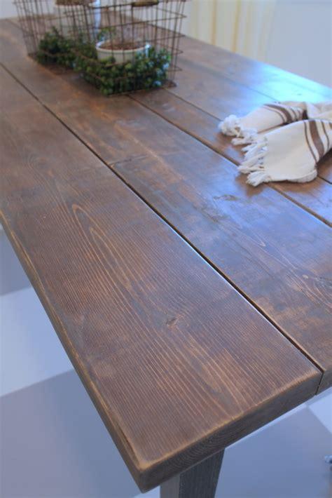 Diy-Wood-Plank-Storage-Table