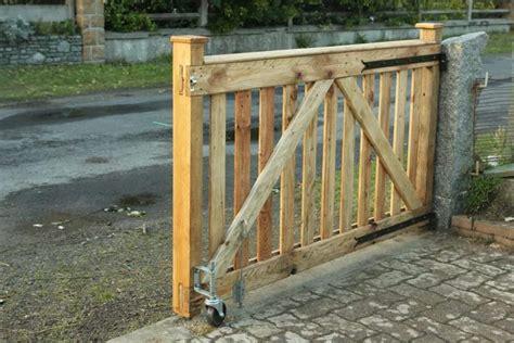 Diy-Wood-Rolling-Gate