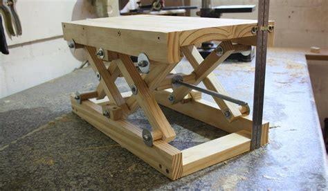Diy-Wood-Scissor-Lift