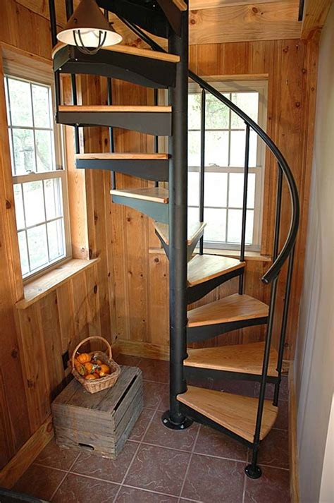 Diy-Wood-Spiral-Staircase-Up-To-Loft