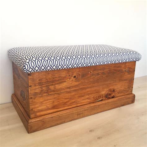 Diy-Wood-Storage-Ottoman