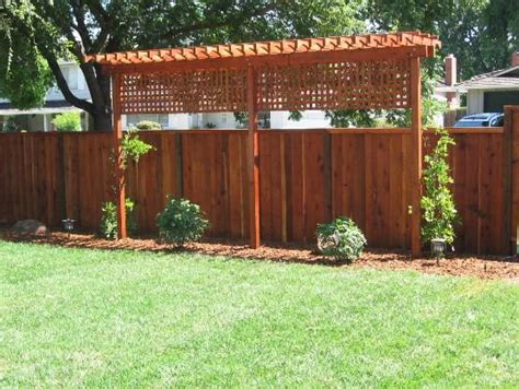 Diy-Wood-Trellis-For-Grape-Vines-Front-Of-Mobile-Home