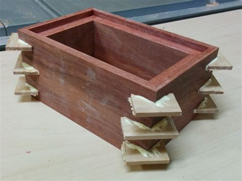 Diy-Wood-Urn