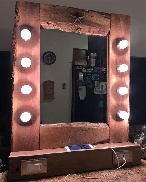 Diy-Wood-Vanity-Mirror-With-Led-Lights