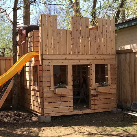 Diy-Wooden-Castle-Playhouse