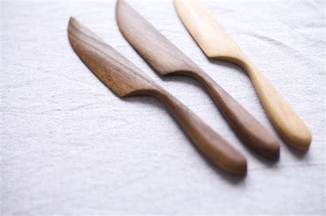 Diy-Wooden-Cheese-Knife