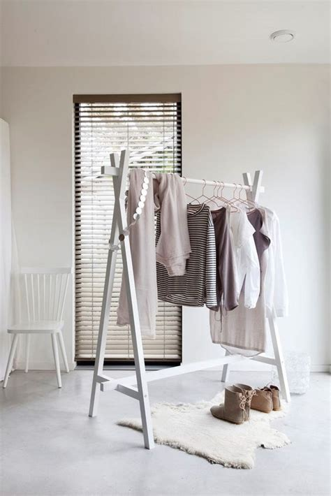 Diy-Wooden-Cloth-Rack