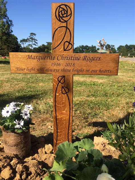 Diy-Wooden-Cross-For-A-Grave