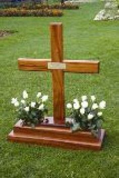 Diy-Wooden-Cross-With-Lights-For-A-Grave
