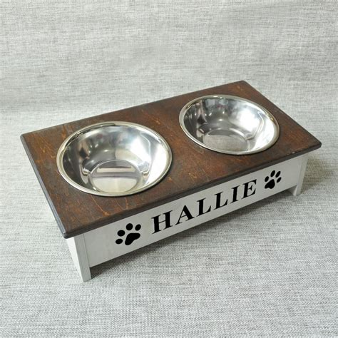 Diy-Wooden-Dog-Bowl-Holder