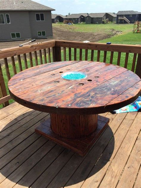 Diy-Wooden-Fire-Pit-Table