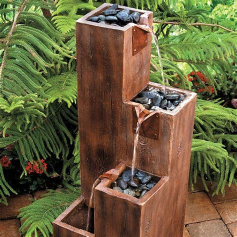 Diy-Wooden-Garden-Features