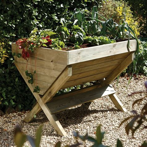 Diy-Wooden-Garden-Troughs