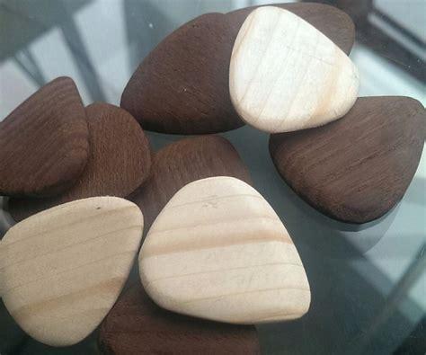 Diy-Wooden-Guitar-Pick