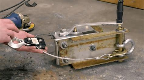 Diy-Wooden-Hand-Crank-Winch-Plans
