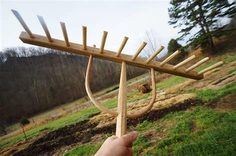 Diy-Wooden-Hay-Rake