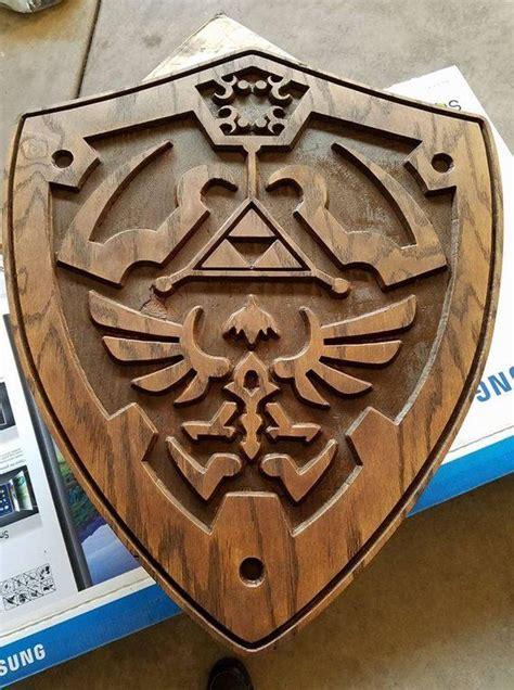 Diy-Wooden-Hylian-Shield