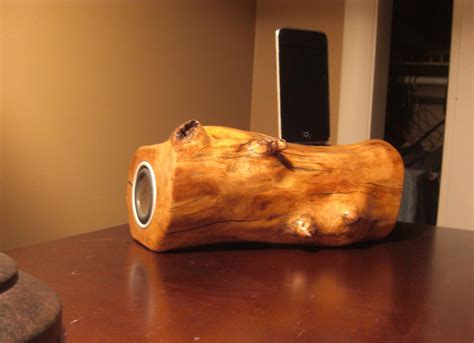 Diy-Wooden-Ipod-Dock