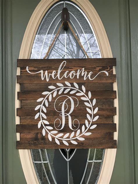 Diy-Wooden-Letter-Door-Hanger