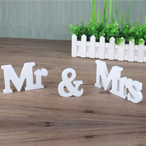 Diy-Wooden-Mr-And-Mrs-Signs