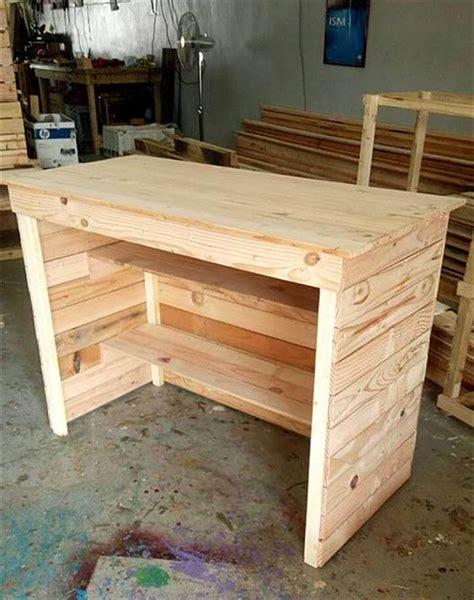 Diy-Wooden-Pallet-Desk