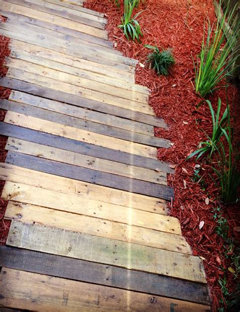 Diy-Wooden-Pathway